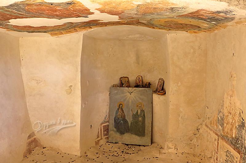Аладжа манастир - параклисът на горното ниво