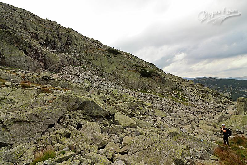 Към стръмния скален участък