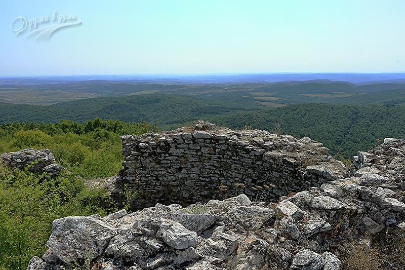Крепост Лютица край Ивайловград