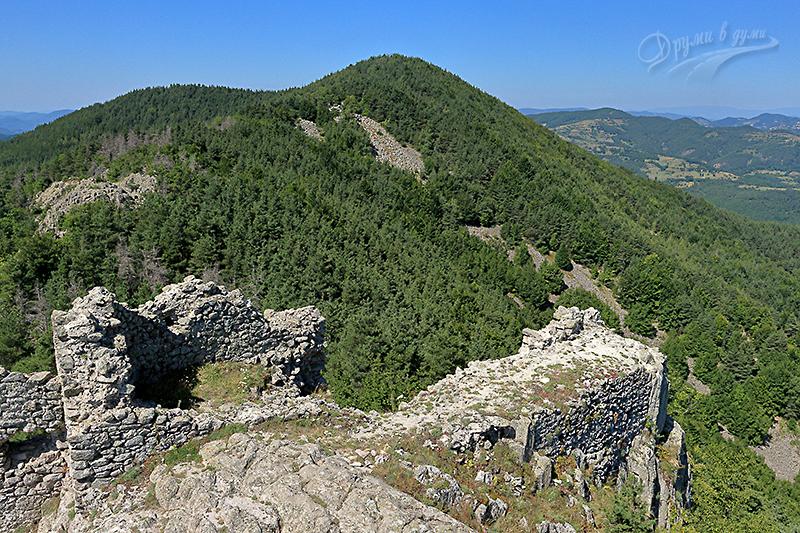 Крепост Устра - поглед от високо