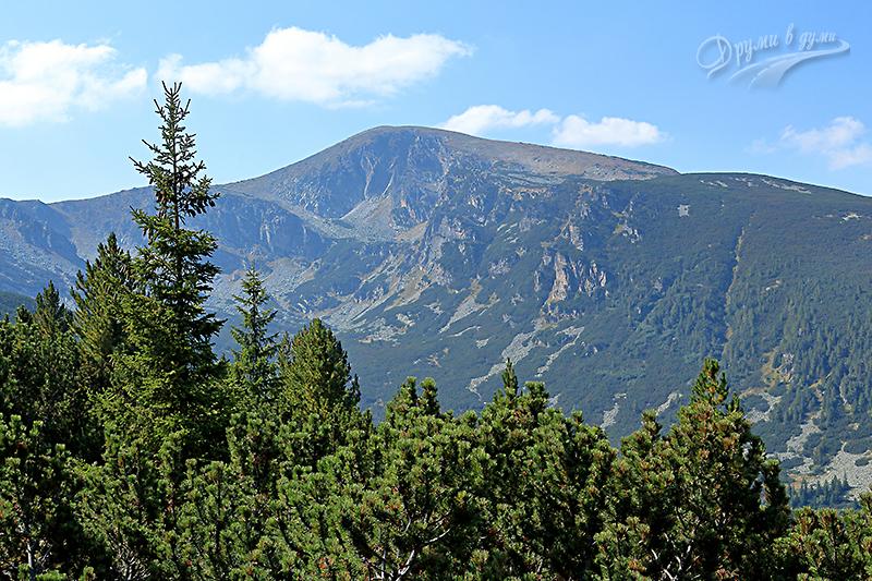 Гледка по пътеката към връх Лопушки