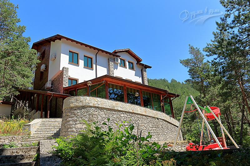 Хижа Устра, днес - къща за гости