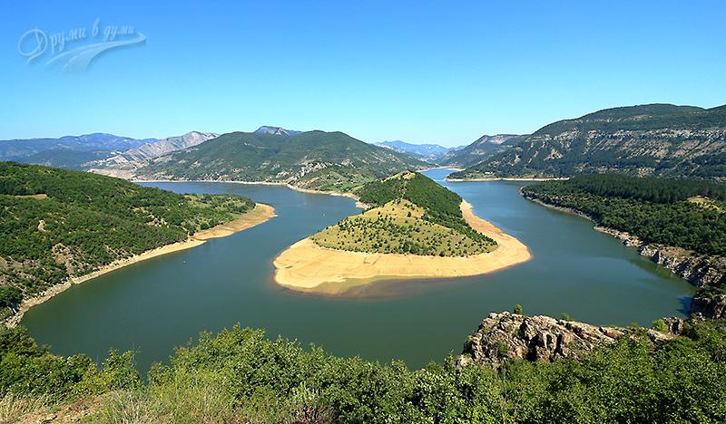 Река Арда - чест спътник по Родопската магистрала и малко встрани от нея