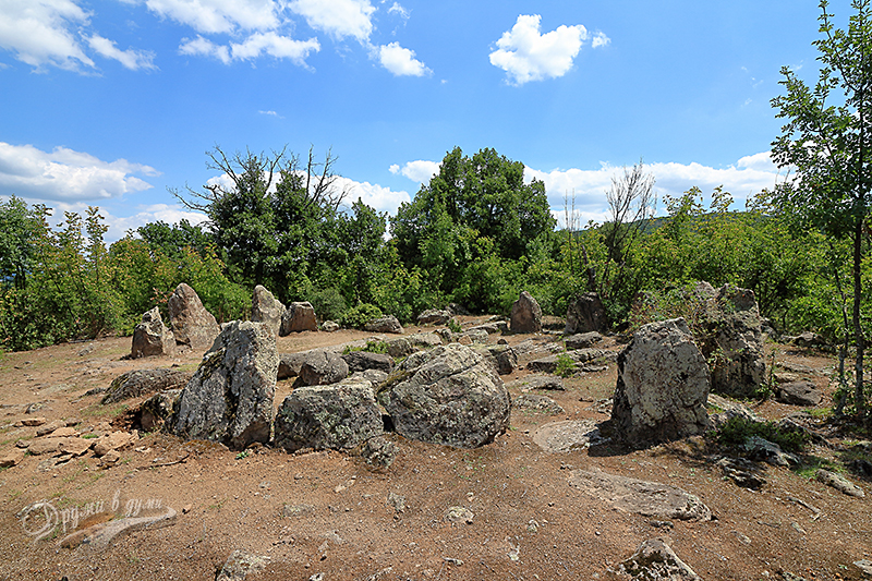 Кромлех при село Долни Главанак