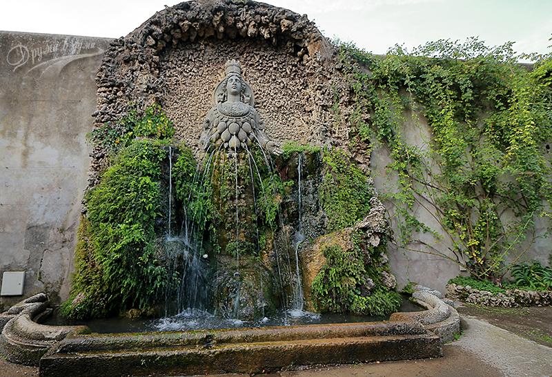 Фонтан на Диана - богиня на плодородието