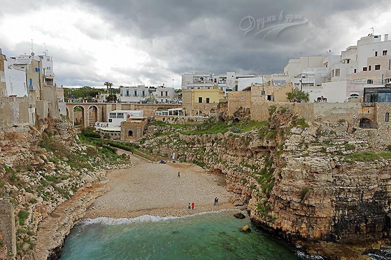 Плаж Монашеско острие - поглед от панорамна плащадка