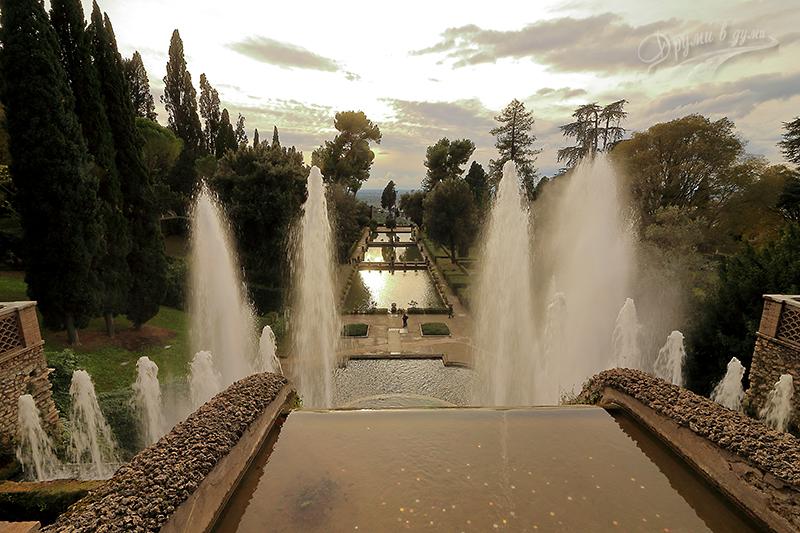 Поглед от фонтан Органа към градините на вила д'Есте