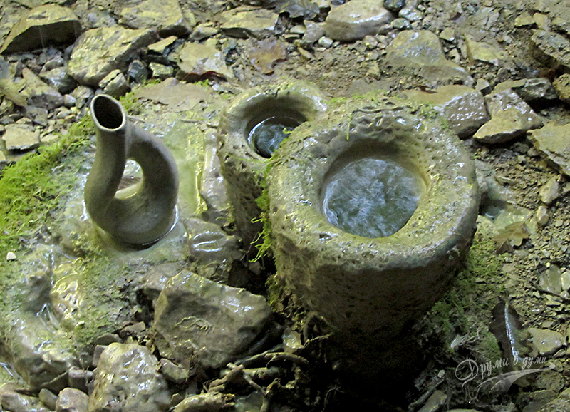 Лековитата вода в пещера Света Марина в Странджа
