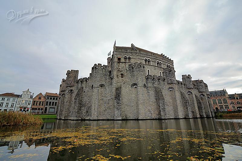Замъкът Гравенстейн - поглед откъм реката