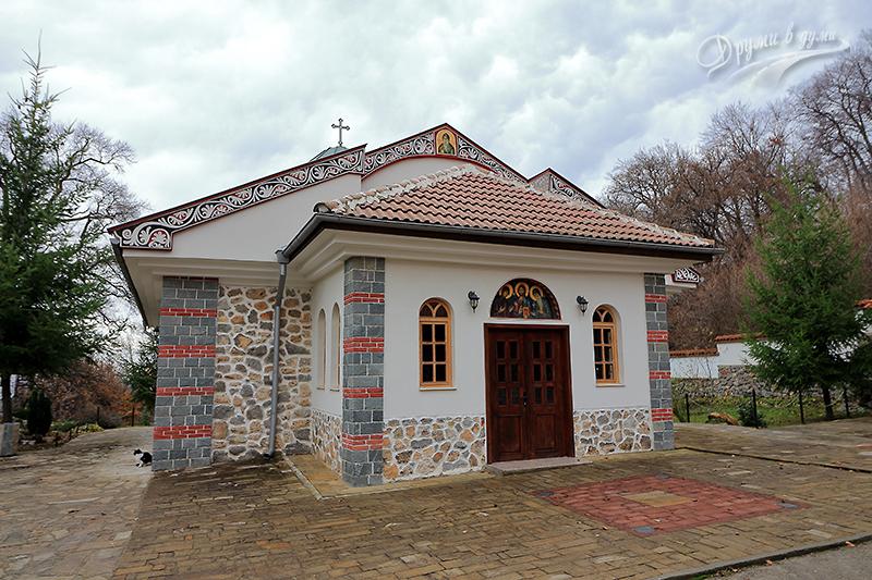 Руенският манастир и красивата му църква