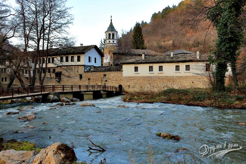 Дряновски манастир Св. Архангел Михаил и река Дряновска