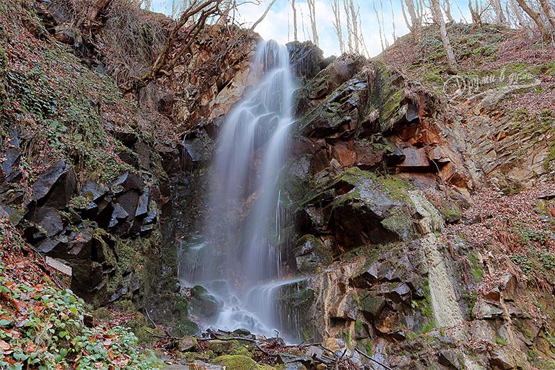 Водопад Мангъро над село Скрът в Беласица
