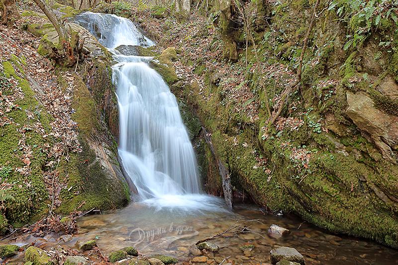 Втори Габровски водопад отблизо