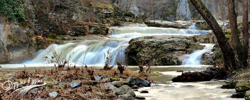 Водопад Сини вир на река Дряновска