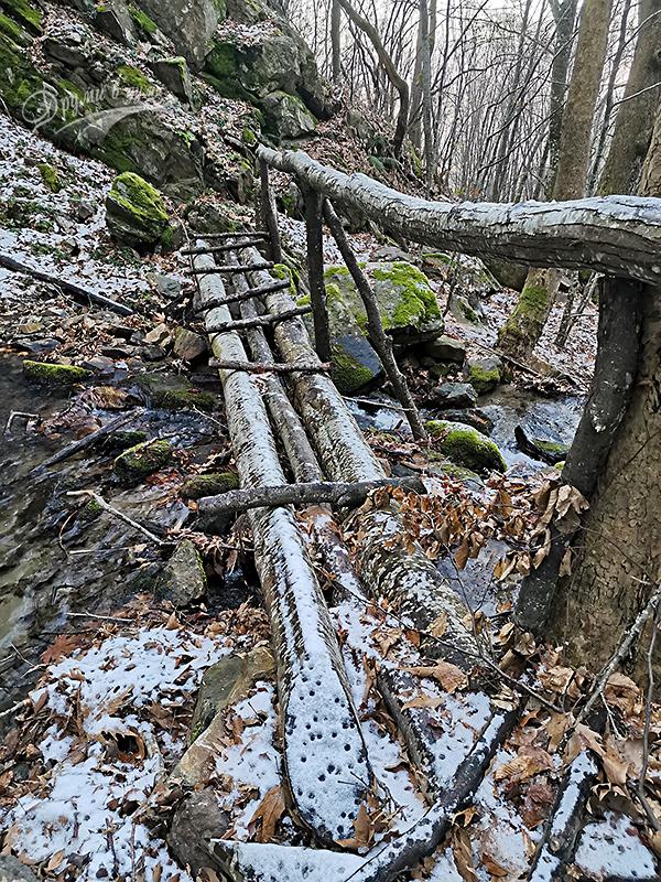 Мостчето пред водопад Чергата