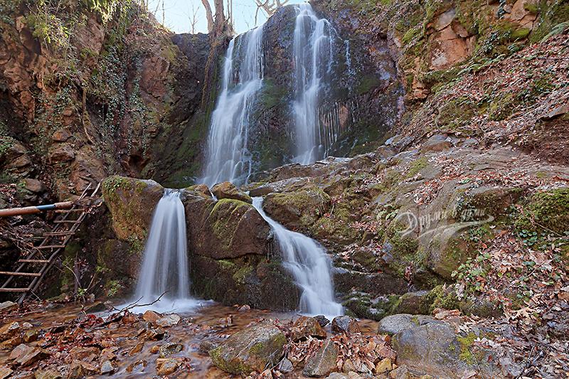 Водопадът над Колешино