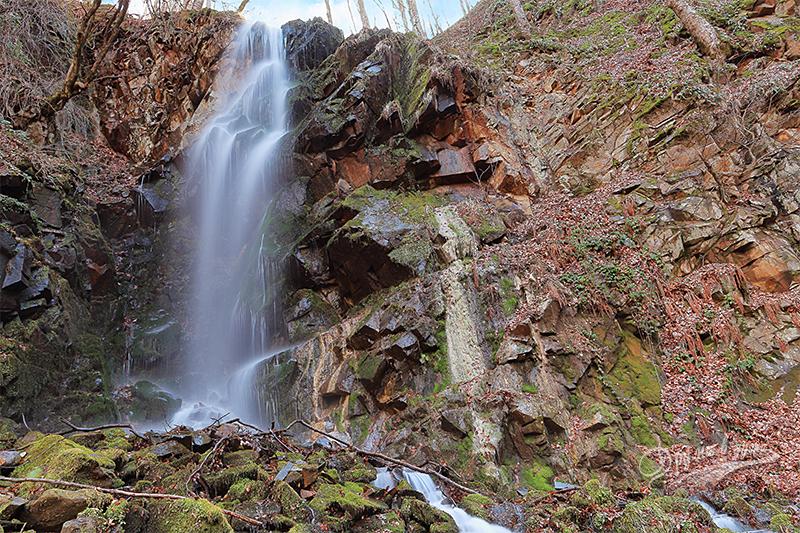 Водопад Мангъро съвсем отблизо