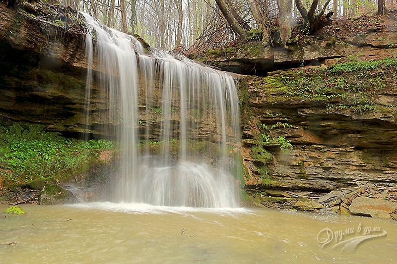 Водопад Мари скок край с. Младен