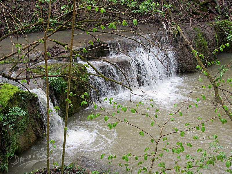 Водоскок по река Младенски дол