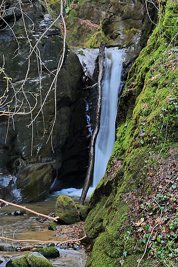 Каменишки водопади: водопадът под железния мост