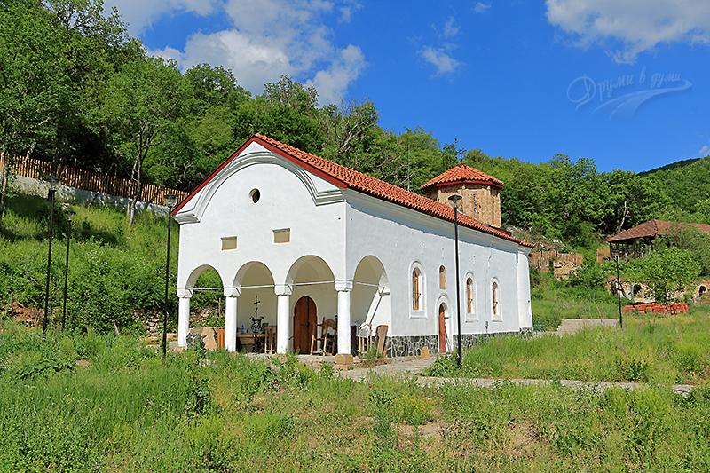 Пещерски манастир - обновената църква