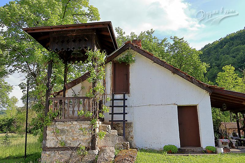 Чепърлински манастир - камбанарията