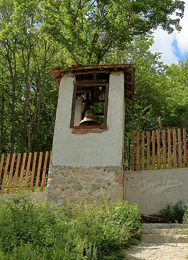 Пещерски манастир - камбанарията