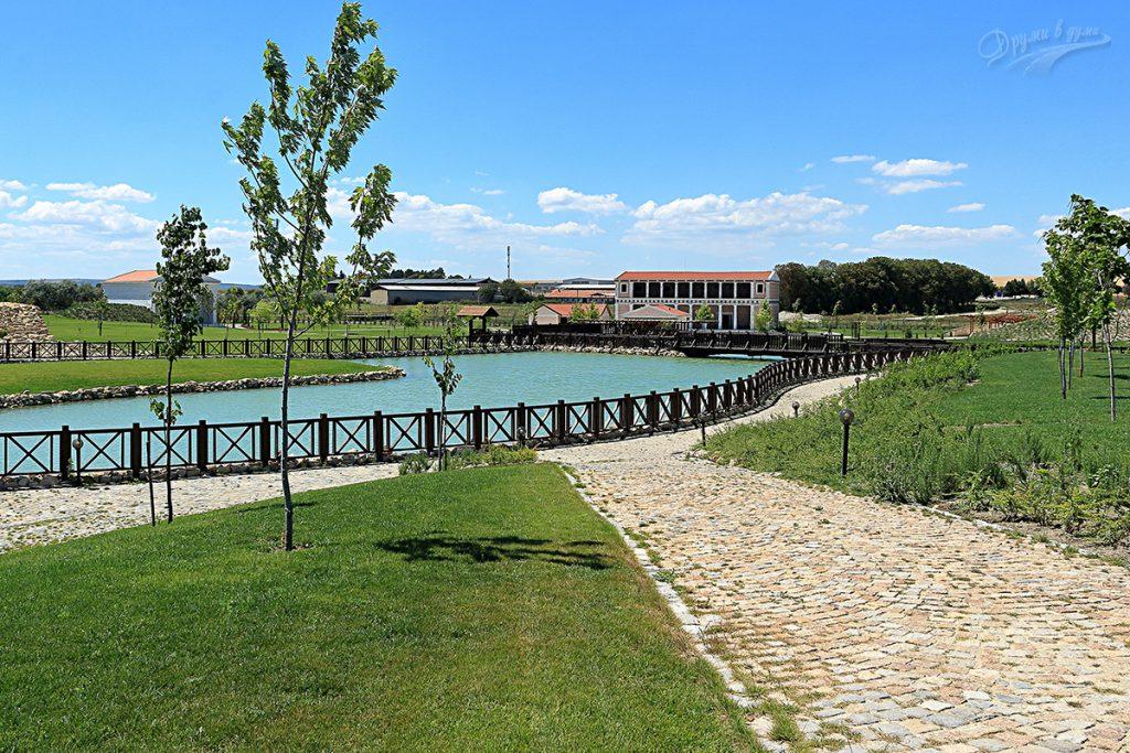 Исторически парк - край езерото