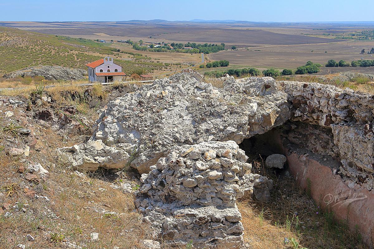 Крепост Русокастро