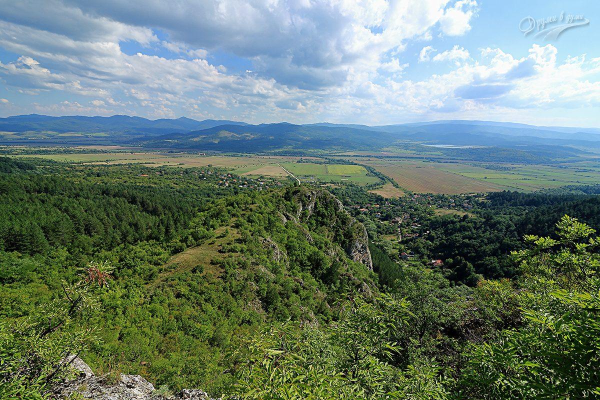Гледка от Шильи камик - Зелениград, Знеполе, язовир Ярловци