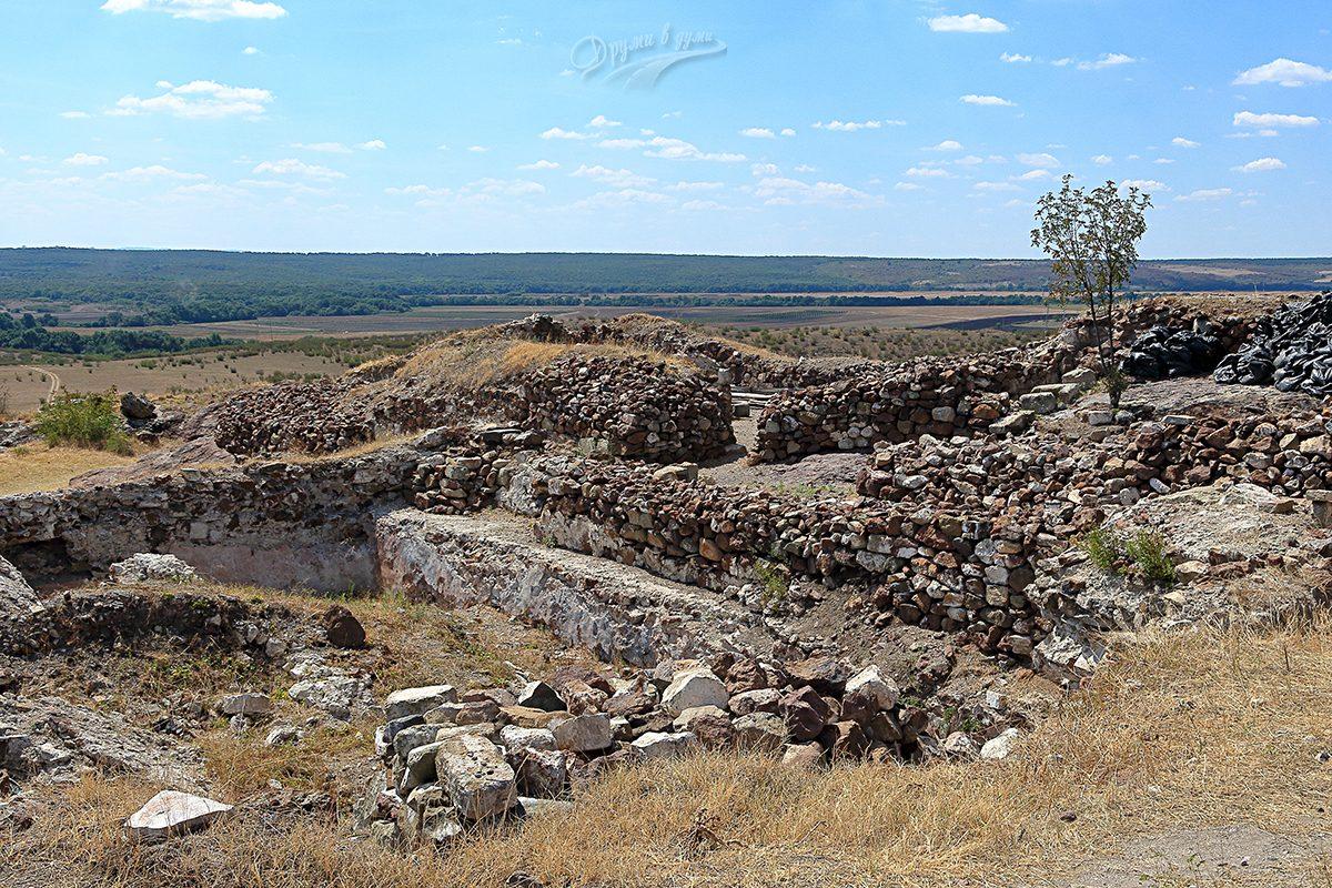 Още от крепостта - всичко е автентично, няма реставрации