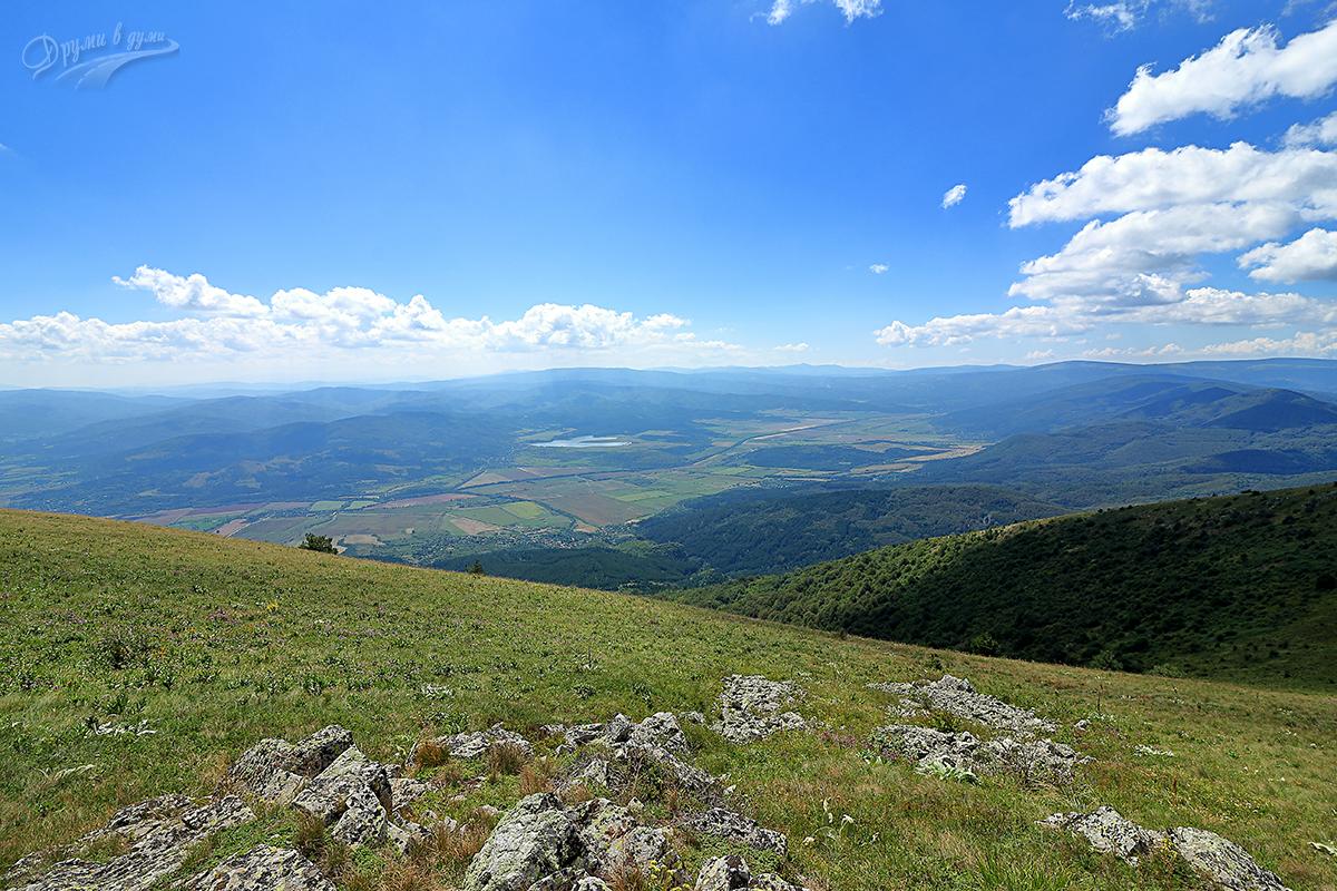 Гледки от връх Руй
