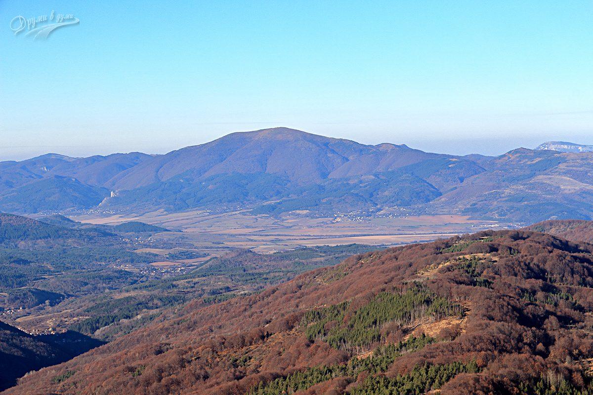 Големи връх - поглед към Руй