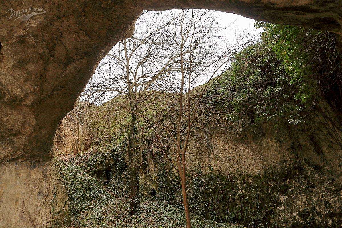 Скален лабиринт Пешкето до село Лиляче