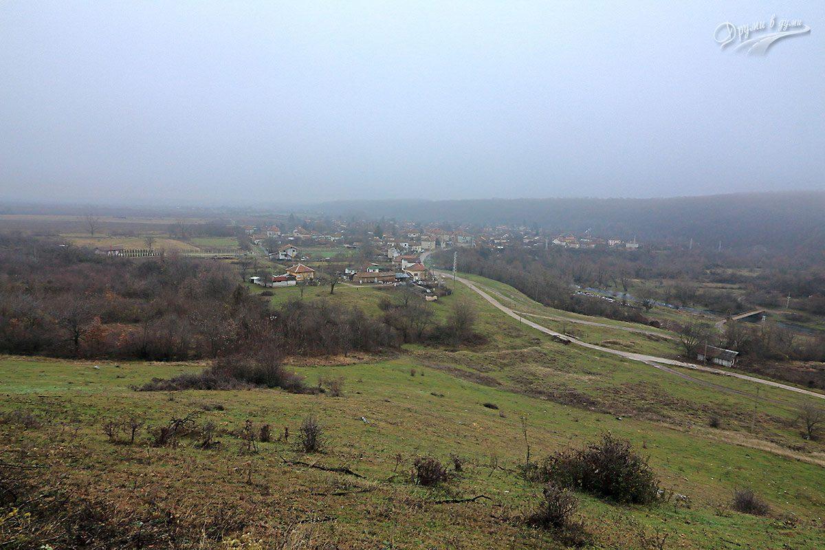 Поглед към село Ботуня