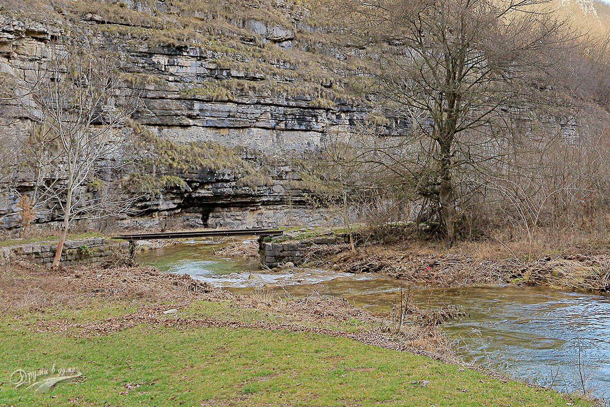 Първият и съответно последен метален мост