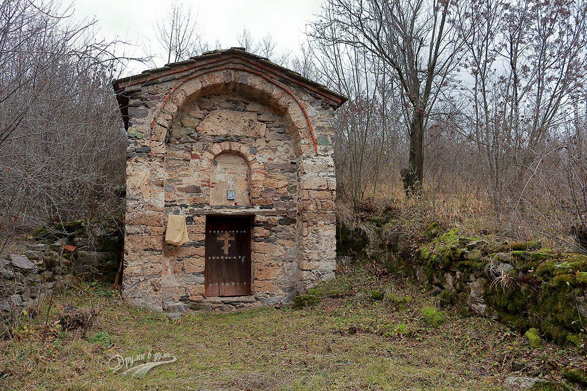 Църквата Свети Никола в село Вуково