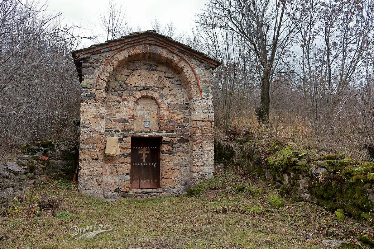 Село Вуково: две църкви с история от близо пет века