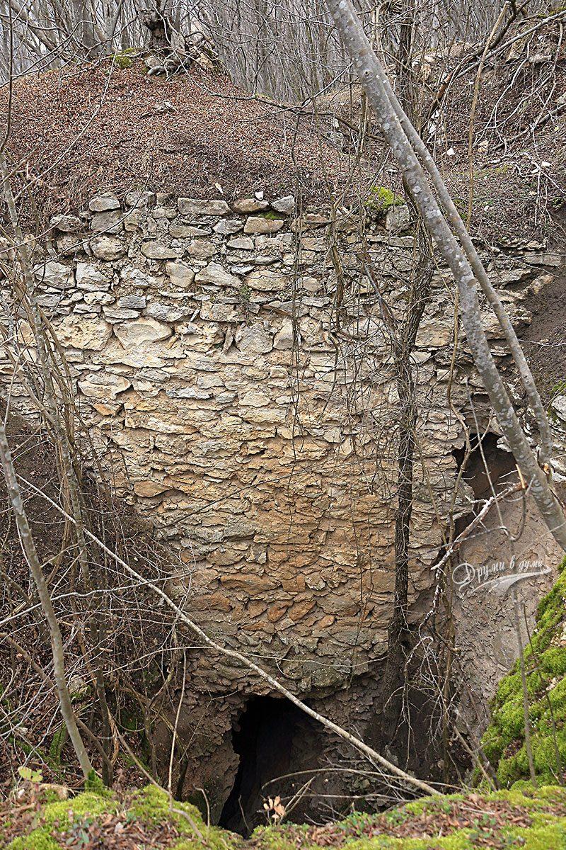 Крепост Калето - останките са масивни