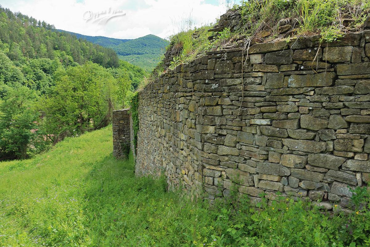 Крепост Калето в село Дебнево