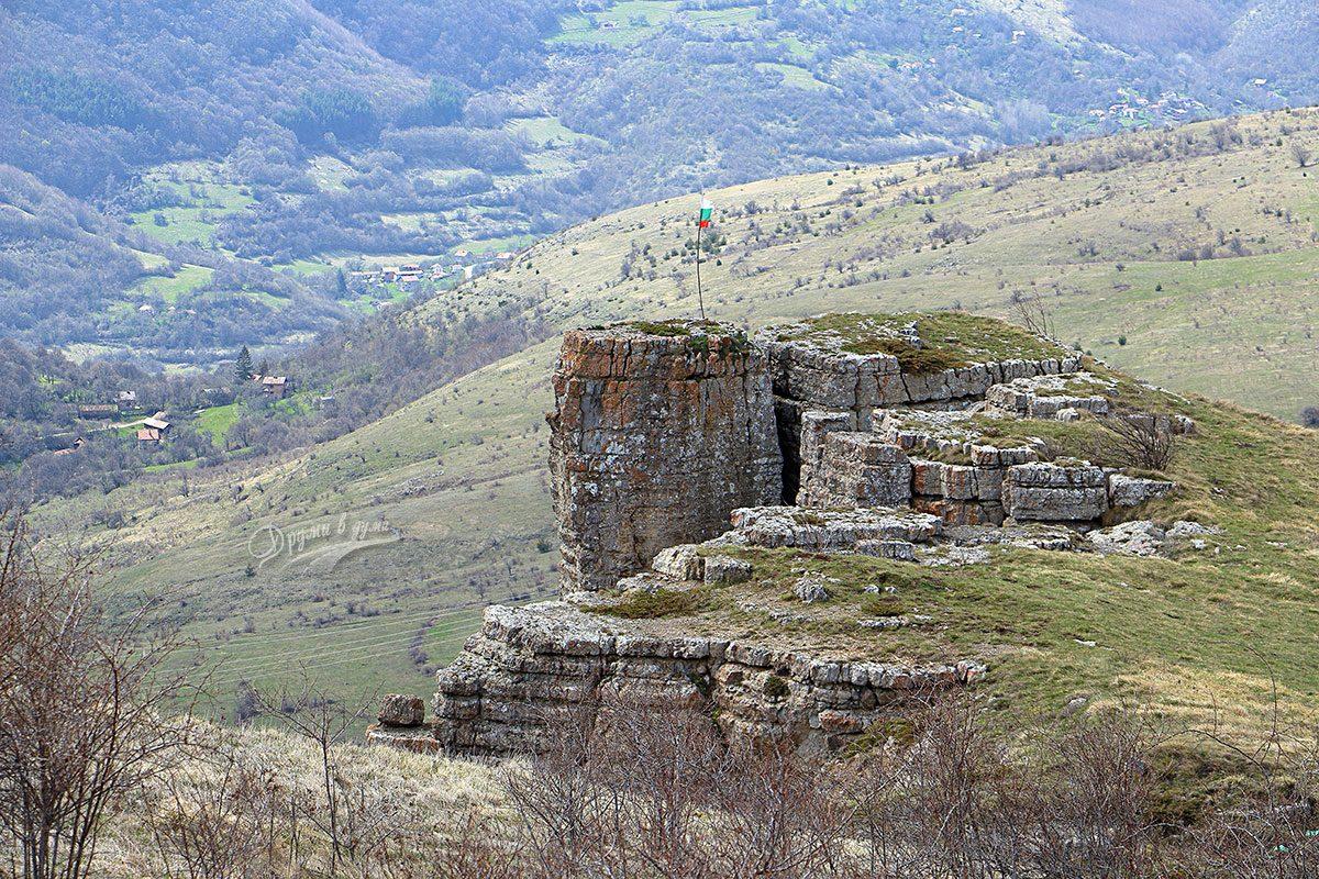Столо: любопитен скален феномен в Понор планина