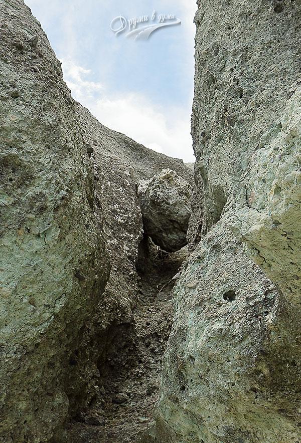 Заклещен камък