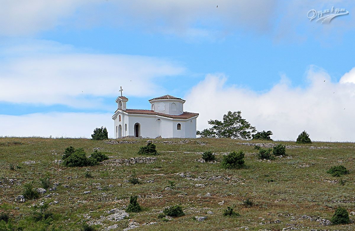 Параклис Света Петка до Ивайловград