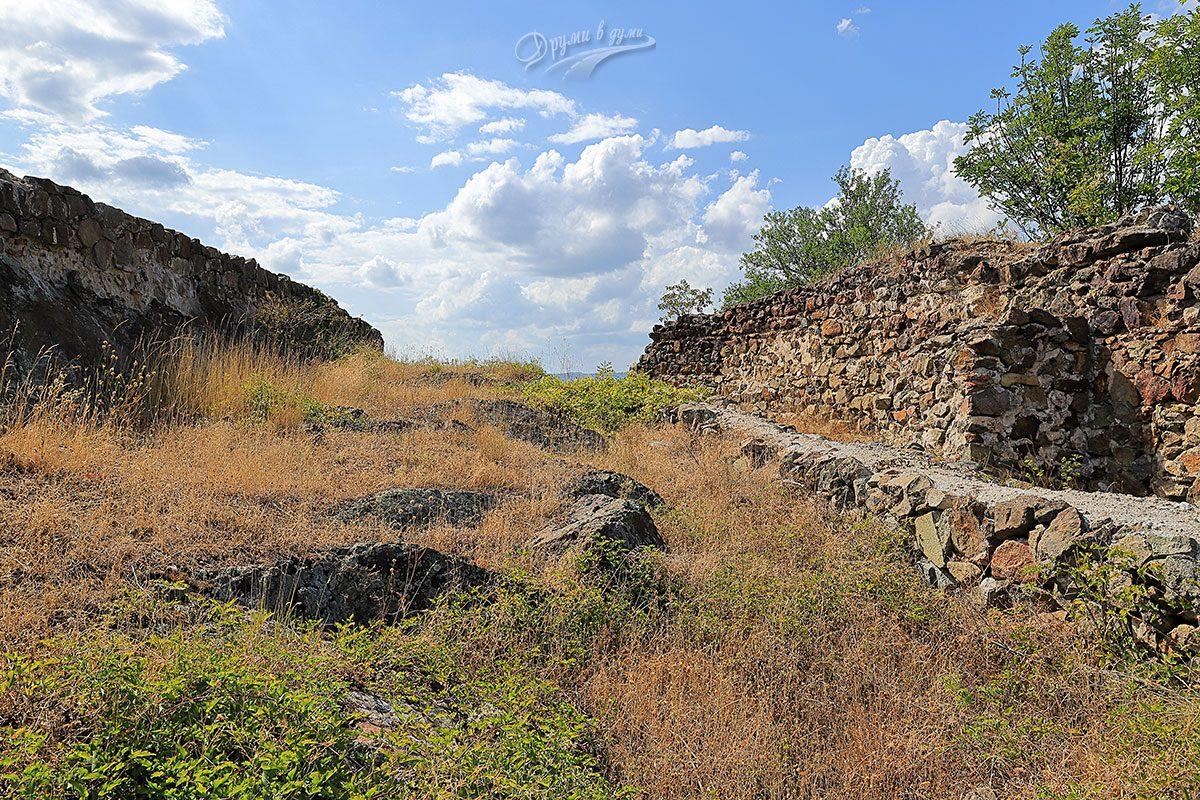 Крепост Красен - стени